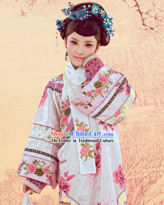 Qing Dynasty Embroidered Peony Princess Manchu Clothing Complete Set
