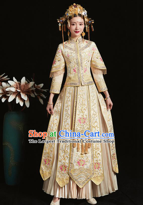 cfed65558e Chinese Traditional Bride White Xiuhe Suit Ancient Wedding Embroidered Dress  for Women
